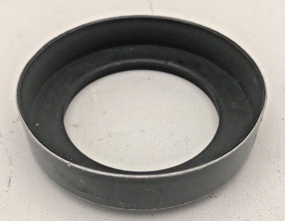 Hasselblad 50mm C Distagon lens hood, 67mm screw fit